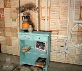 Geleefd turquoise kastje (130981)..verkocht