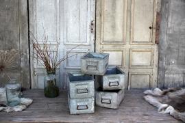 5 oude industriële bakken (131772 t/m 131777).....verkocht