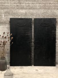 Antieke ijzeren fabrieksdeuren (144325)
