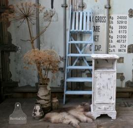 Landelijk nachtkastje (130590) verkocht