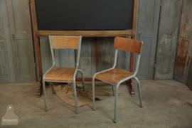 2 Franse schoolstoel (136093, 136094)