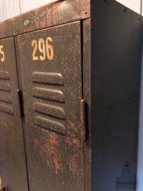 Unieke smalle locker (138365) verkocht