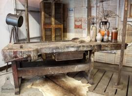 Oude werkbank (130975)..verkocht