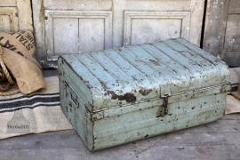 Oude ijzeren reiskoffer (132017)...verkocht