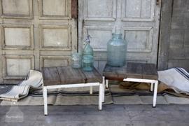 Bijzettafeltje oude balken (131993, 131992) verkocht