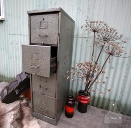 Industriele jaren 20 dossierkast (130760)..verkocht