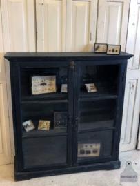 Smalle vitrinekast (141874) verkocht