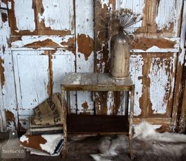 Geleefde bijzettafel van ijzer en hout (131658) verkocht