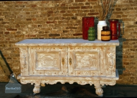 Antiek dressoir (130335)..verkocht