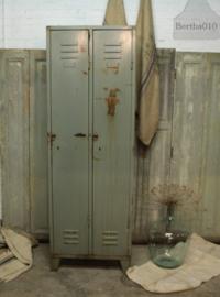 Oude locker (132673)....verkocht