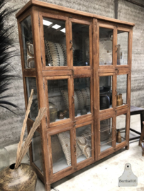 Grote vitrinekast, 3 kanten glas (144473)
