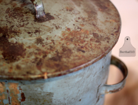 Gepatineerde vuilnisbak (133266)........verkocht