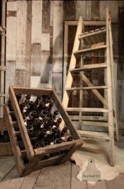Oude kratjes bier (130706 en 707)