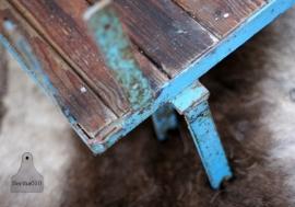 Industrieel tafel blauw (130445)..verkocht