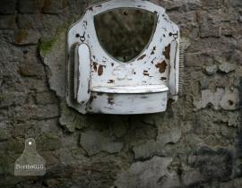 Oude schoenpoetsspiegel (130113)..verkocht