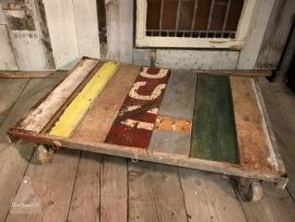 Grote sloophouten lage tafel (130710)..verkocht