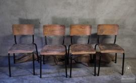 15 geleefde schoolstoelen (132450)