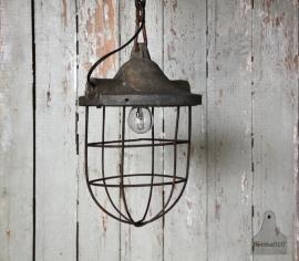Oud industrieel lampje (131258)..verkocht