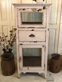 Oud geleefd vitrinekastje (141819) verkocht