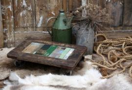 Bijzettafeltje van sloophout op wielen (131444) verkocht
