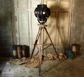 Theaterlamp op statief (132290)..verkocht