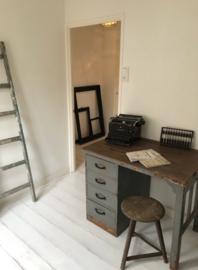 Oud bureau (138362) verkocht