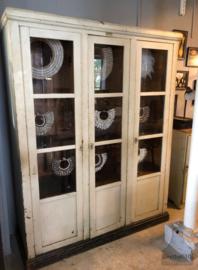 Oude houten vitrinekast (138632) verkocht