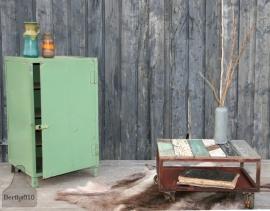 Industriele ijzeren kast groen (130443)..verkocht