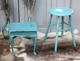 Geleefd oud turquoise tafeltje (131188)