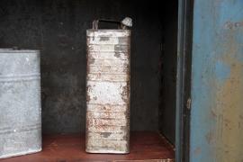 Oude petroleum olieblik (131968)...verkocht
