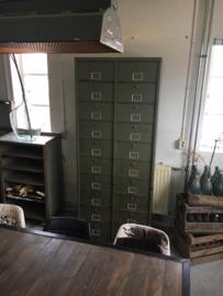 Authentiek 20 kleppenkast (135792)..verkocht