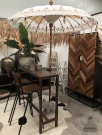 Balinese parasol (144399)