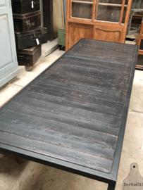 Op maat industriële tafel zwart hout (144312)