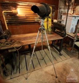 Oude staande lamp (130830).. verkocht