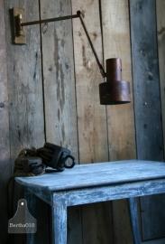 Roestige wandlamp (130124)..verkocht