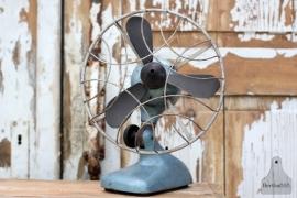 Oude industriële ventilator (131371)..verkocht