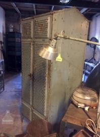 Antieke 4 deurs locker (135307)