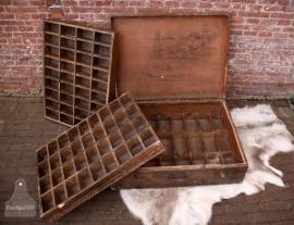 Unieke oude vakkenkist (131203)..verkocht