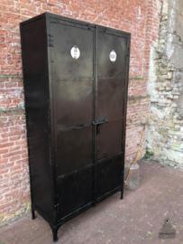 Kast ijzer (143198) verkocht