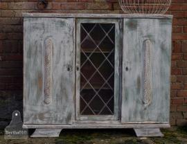 Antieke kast met glas en lood deurtje (130180)