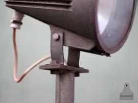 Oude industriele staande lamp (130641)..verkocht