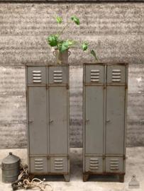 2 oude locker (143740, 143741) verkocht