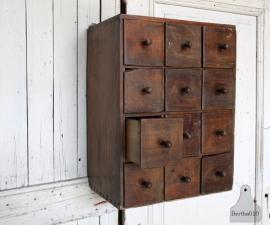 Oud geleefd ladekastje (131250)..verkocht