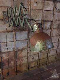 Oude geleefde schaarlamp (135723)