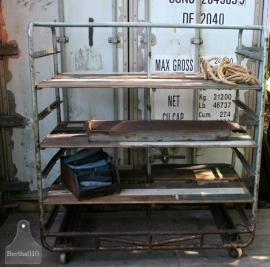 Oude industriele bakkerskar (130595)..verkocht