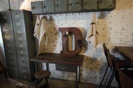 Oud geleefd bureau (136545)..verkocht