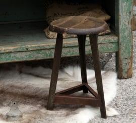 Oude industriële kruk (131225)..verkocht