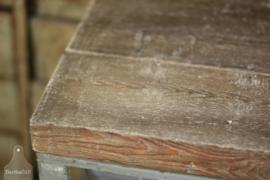 Stellingkast met bovenkant van oude boerderijbalken (134640)