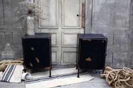 2 industriële nachtkastje (131985) verkocht