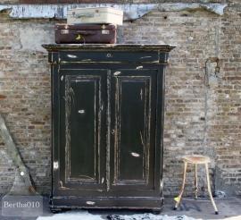 Antieke kast (130470)..verkocht